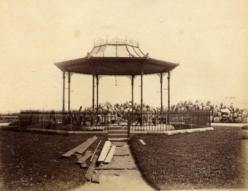 sunderland_bandstand_in_park_26.4.1890